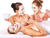 группа женщин с маска для лица. — Стоковое фото