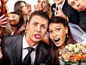 Noiva e noivo em photobooth. — Foto Stock