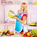 Woman preparing food — Stock Photo