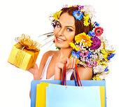 Mulher com a sacola de compras — Fotografia Stock