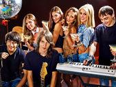 Band spelen muziekinstrument. — Stockfoto