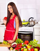 Woman cooking breakfast at kitchen. — Foto de Stock