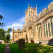 Church and graveyard in Chipping Campden — Stock Photo