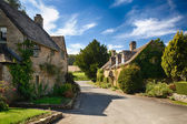 Old cotswold stone houses in Icomb — ストック写真