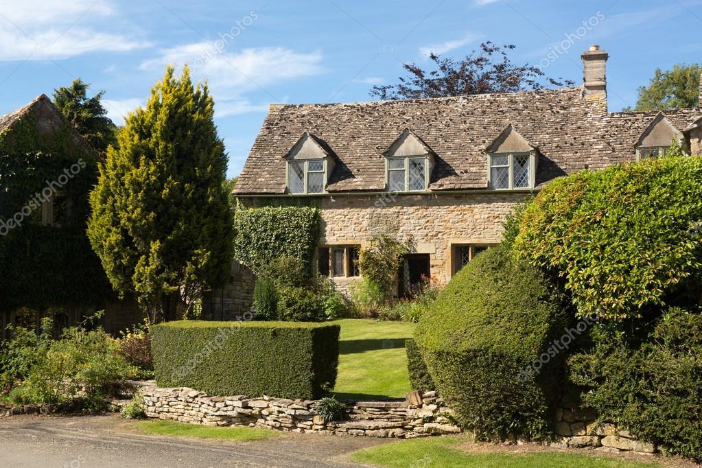 Vieille maison de pierre de cotswold dans icomb for Vieille maison en pierre