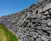 Stone wall at Dun Aonghasa Aran Islands — Stock Photo