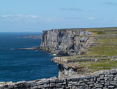 Stone wall at Dun Aonghasa Aran Islands — 图库照片