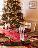 Anglické vánoční stůl s krekry — Stock fotografie