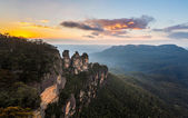 Sunrise from Echo Point in Blue Mountains Australia — Stock Photo