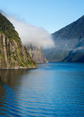 Fjord of Milford Sound in New Zealand — Stock Photo