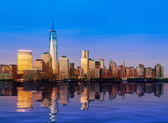 Skyline of Lower Manhattan at night — Stock Photo