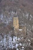 Torre de vigia na estrada militar da geórgia nas montanhas — Foto Stock