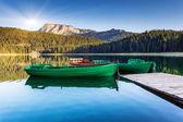 Odbicie w wodzie jeziora górskie — Zdjęcie stockowe
