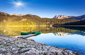 Mountain lakes and boats — Stock Photo