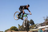 APTOS VILLAGE - APRIL 14: 4th Annual Santa Cruz Mountain Bike Festival on April 13 & 14, 2013 in Aptos Village, California. — Stock Photo