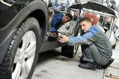 Automóvel carro corpo tinta verificação — Foto Stock