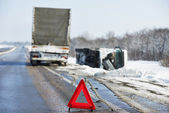 冬季车毁人亡 — 图库照片