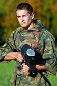 Man paintball player — Stock Photo