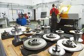 Industriële gereedschappen op workshop — Stockfoto