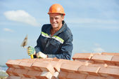 Construction worker bricklayer — Stock Photo