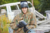 Portrait of Man paintball player — Stock Photo
