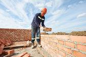 Construction mason worker bricklayer — Foto Stock