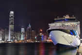 Night view on Hong Kong harbour liner — Stock Photo
