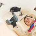 Ventilation engineer worker — Stock Photo