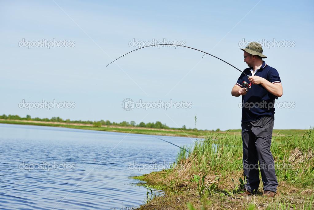 три рыбака наловив рыбы