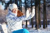 Kış giysileri güzel kadın — Stok fotoğraf