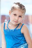 Retrato de la joven muchacha — Foto de Stock