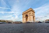 Arch de Triomphe in Paris — Stock Photo
