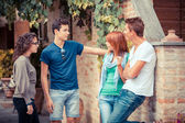 Group of Teenagers Outside — Stockfoto