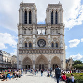 PARIS, FRANCE - OCTOBER 2: Notre Dame Cathedral on October 2, 20 — Stock Photo