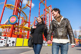Happy Young Couple at Amusement Park in Wien — Stock Photo