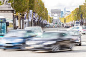 Champs Elysees and Arc de Triomphe — Stock Photo