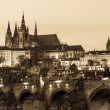 Charles Bridge and Castle in Prague at Dusk — Stock Photo