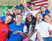 Fanáticos americanos en el estadio — Foto de Stock