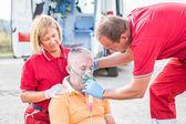 Equipe de resgate, prestação de primeiros socorros — Foto Stock