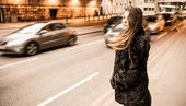 Young Woman Along London City Street — Stock Photo