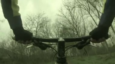 Reiten-mountainbike — Stockvideo