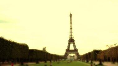 Eiffel Tower in Paris — Stock Video