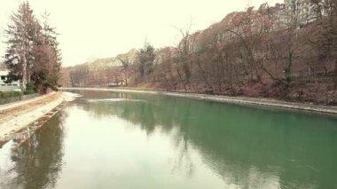 在伯尔尼的阿勒河 — 图库视频影像