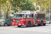 FDNY fire truck on Manhattan 9t — Stock Photo