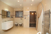 Big light bathroom — Stock Photo