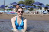 海滩上的青少年 — 图库照片
