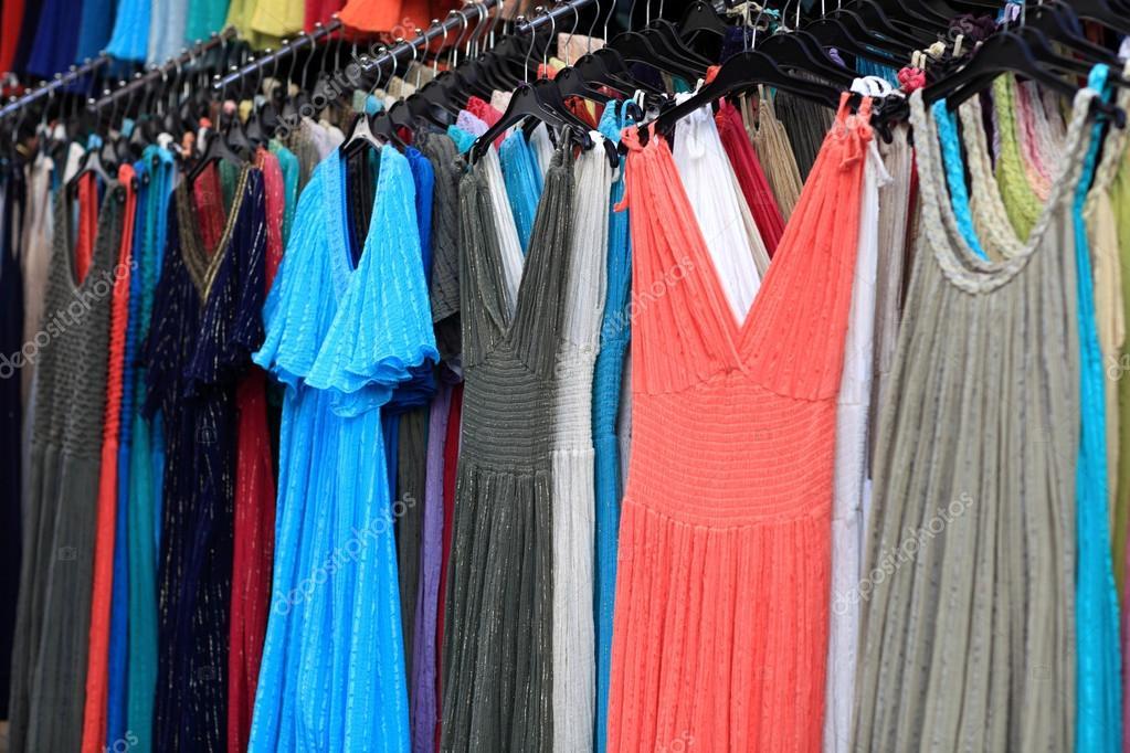На рынке под платьем фото 699-32