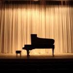 Grand piano — Stock Photo #25875631