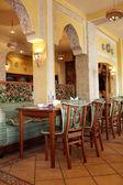 интерьер ресторан узбекской кухни — Стоковое фото