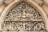 Details of tympanum of St Peter and St Paul basilica — Stock Photo